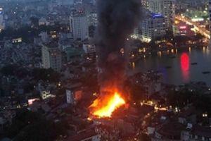 Cháy lớn tại đường Đê La Thành, Bệnh viện Nhi Trung ương sơ tán