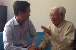 Thăm các nghệ sĩ lão thành nhân Ngày Sân khấu Việt Nam