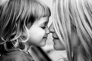 Mẹ luôn là thách thức của con gái