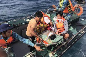 Bộ Quốc phòng điều máy bay ra đảo Phan Vinh cứu ngư dân