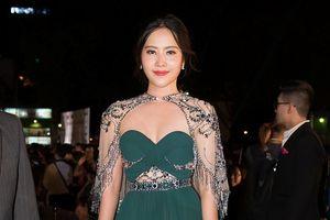 Nam Em tăng 8kg, mũm mĩm trên thảm đỏ Hoa hậu Việt Nam 2018