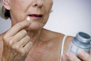 Lạm dụng aspirin khiến người già dễ bị xuất huyết dạ dày