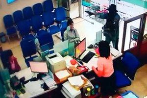 Nghi can dùng súng cướp ngân hàng ở Tiền Giang bị bắt