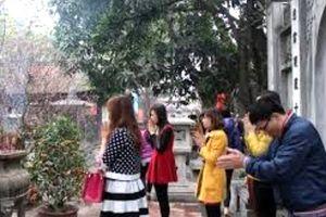 Đi chùa Hà cầu duyên, chàng trai có người yêu sau khi vào bệnh viện