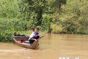 'Chòng chành' đường đến trường của học sinh vùng lũ An Giang