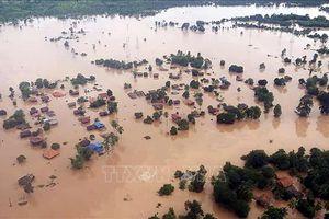 Tập đoàn Hoàng Anh Gia Lai hỗ trợ thêm 2 tỷ kíp cho người dân Lào vùng vỡ đập