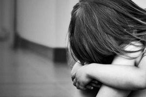 Kiểm tra hộ tịch, phát hiện thiếu nữ 15 tuổi sinh con, nghi bị xâm hại tình dục