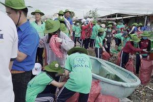 'Đại sứ Đại dương xanh' tham gia 'Chiến dịch Làm cho thế giới sạch hơn' tại Bình Thuận