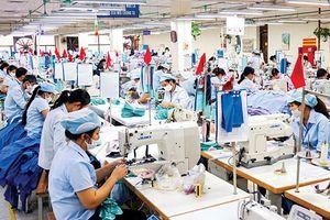 CP dệt may hưởng lợi từ cuộc chiến thương mại