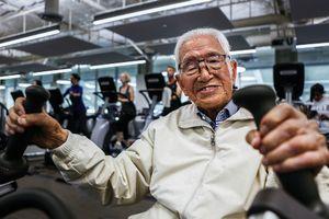 Cụ ông 111 tuổi vẫn tập gym mỗi ngày