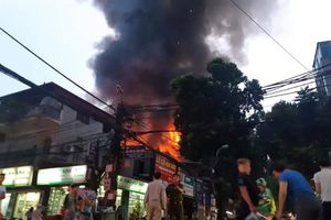 Hà Nội: Cháy lớn tại khu vực Đê La Thành