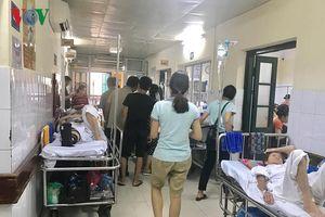 Bức xúc trong bệnh viện: Đoạn trường ai trải mới hay