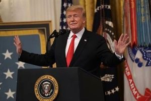 Mỹ công bố áp thuế nhập khẩu với 200 tỷ USD hàng Trung Quốc