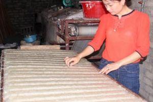 Thu nhập tăng nhanh, sống khỏe nhờ được học nghề làm mì gạo