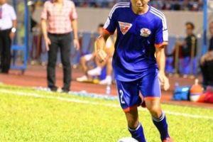 Bị thẻ đỏ oan, cầu thủ Than Quảng Ninh vẫn bị treo giò ở vòng 23 V.League