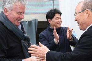 HLV Park Hang-seo gửi lời 'thách đấu' tới 'phù thủy' Guus Hiddink