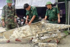 Ngư dân tìm thấy vật thể nghi là bộ phận của máy bay dưới biển Quảng Bình