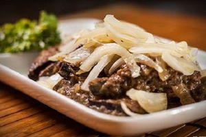 Món ngon mỗi ngày: Gan lợn chiên tỏi rẻ mà đưa cơm