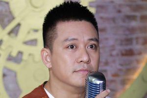 Ca sĩ Tuấn Hưng: 'Đừng nghĩ nghệ sĩ chúng tôi chỉ có bề nổi'