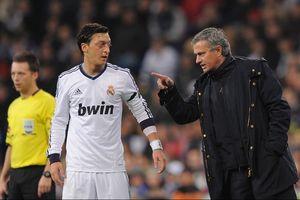Mourinho đang 've vãn' Mesut Ozil