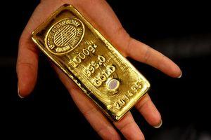 Căng thẳng thương mại thế giới đẩy giá vàng tăng