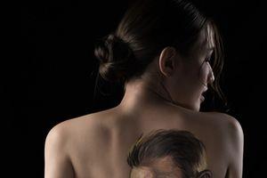 Mẫu nude: Nghề của những cạm bẫy?