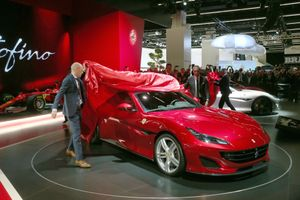 Hãng xe sang Ferrari chuyển hướng sản xuất xe hybrid