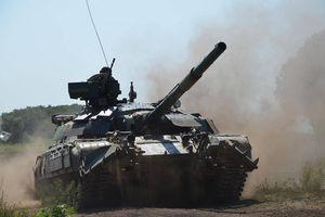 Chiến sự Ukraine: Quân Kiev cấp tập bắn phá Donesk, 4 binh sĩ thiệt mạng do lính giết chỉ huy