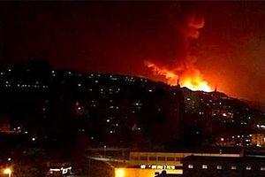 Syria lại bất ngờ bị tấn công ồ ạt bằng tên lửa