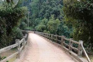 Nỗ lực tìm kiếm cô gái 17 tuổi nhảy xuống sông mất tích tại Nghệ An