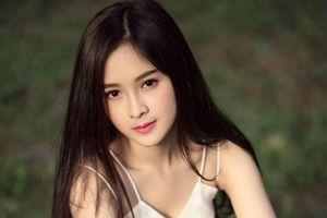 Đọ sắc dàn nữ sinh hot girl đẹp 'mê hoặc lòng người' đang học chung trường với Tân hoa hậu 18 tuổi Trần Tiểu Vy