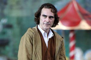 Hé lộ những hình ảnh đầu tiên của 'Joker phiên bản mới' Joaquin Phoenix