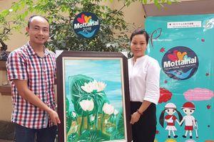 Nữ sinh lớp 8 tặng tranh Sen cho Mottainai 2018