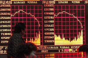 Ngấm đòn thuế của Donald Trump, chứng khoán Trung Quốc chạm đáy 4 năm