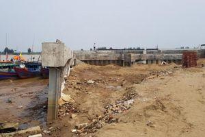 Sầm Sơn (Thanh Hóa) xử phạt doanh nghiệp xây dựng lấn chiếm sông Mã