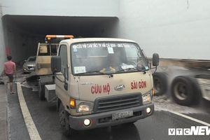 Vì sao nhiều xe chết máy trong hầm chui mới thông ở TP.HCM?