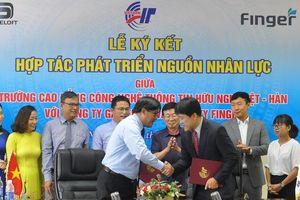 Cao đẳng Việt-Hàn bắt tay doanh nghiệp đào tạo nguồn nhân lực CNTT