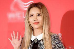 Thành viên T-ara xuống sắc, bị lu mờ trước 'nữ thần quyến rũ' Sunmi