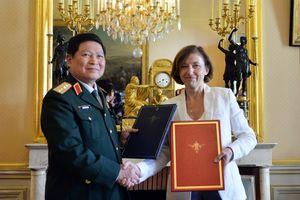 Bước tiến mới trong hợp tác quốc phòng Việt, Pháp