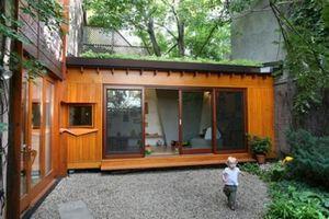 Nhà nhỏ nằm giữa rừng nhưng tiện nghi hiện đại khiến ai cũng 'thèm'