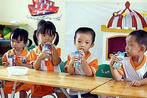 Sữa được dùng trong chương trình 'Sữa học đường' sẽ đảm bảo chất lượng
