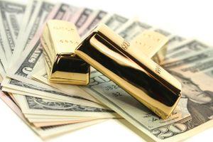 Vàng lại giảm giá, USD đang tăng mạnh