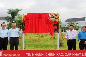 Gắn biển công trình Khu KTX hộ gia đình Công ty Formosa Hà Tĩnh