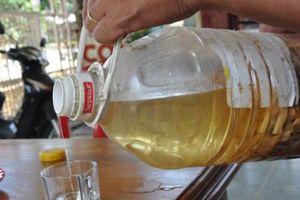 Uống rượu thuốc không rõ nguồn gốc: Nguy cơ ngộ độc rất cao