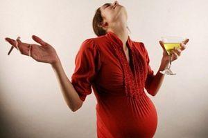 8 hành động của mẹ bầu khiến con chậm phát triển, ngu si sau này