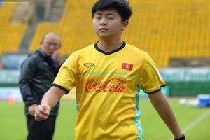 'Rụng tim' với chàng trợ lý tiếng Anh của HLV Park Hang Seo