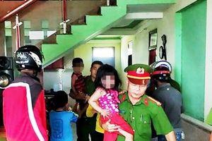 Quảng Bình: Kịp thời giải cứu 3 cháu nhỏ bị bố nhốt đòi tự thiêu