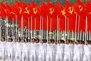 Đảng Cộng sản Việt Nam khởi xướng và lãnh đạo công cuộc đổi mới, phát triển đất nước vững bước đi lên chủ nghĩa xã hội