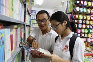 Lãng phí sách giáo khoa: Bộ GD&ĐT cần làm rõ!