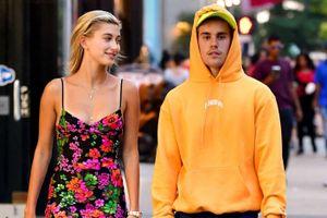 Hôn thê Justin Bieber: 'Tôi có quá nhiều quần áo, 150 đôi giày'